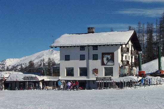 Photo of Orso Bianco, Hotel Salice D'Ulzio