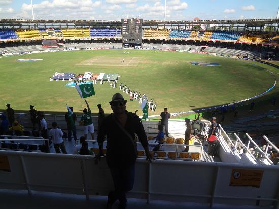 R. Premadasa Stadium: Enjoying the game