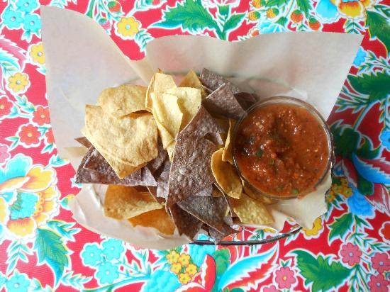 baja kitchen: Chips & salsa