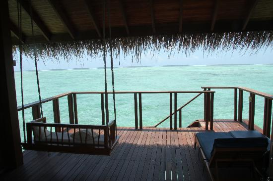 Medhufushi Island Resort: Our room