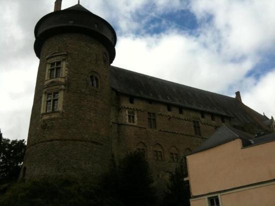 Chateau de Laval (Laval's Castle): !!!!