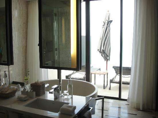 Conrad Koh Samui Resort & Spa: bathroom