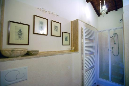 Villa Irene: bagno suite