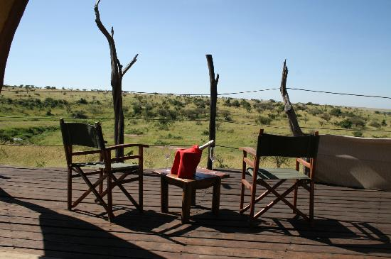 Amani Mara Camp: Relaxing on the deck, spot giraffes, hippos, elephants