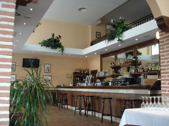 Restaurante alcaravea alcala en alcal de henares con - Cocinas en alcala de henares ...