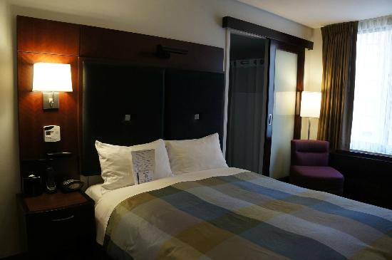 Club Quarters Hotel, opposite Rockefeller Center: Room, Standard Room