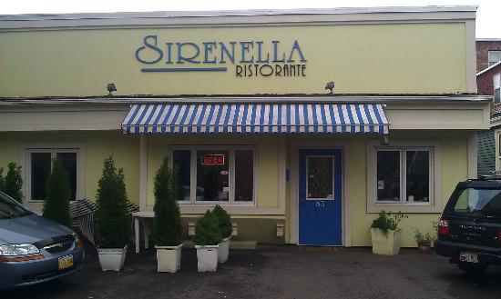 Sirenella Ristorante: Sirenalla's main entrance