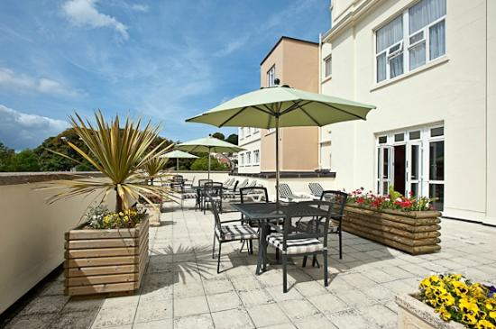 Norfolk Lodge Hotel: Sun terrace