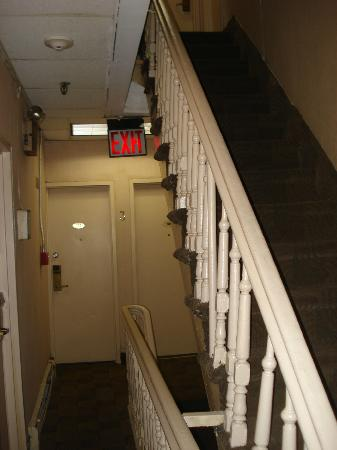 New York Inn: Steep staircases; no elevators.