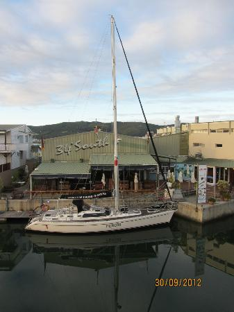 Apartments at Knysna Quays: Right across from our balcony