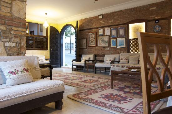Villa Konak Hotel: The Lounge near Reception