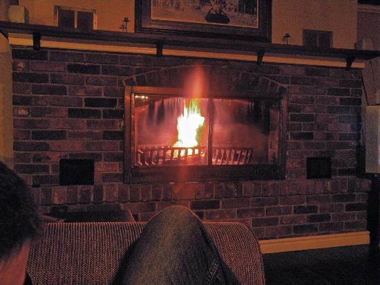 The Lodges at Blue Mountain: Settle down in the evenings with a woodburing fireplace.