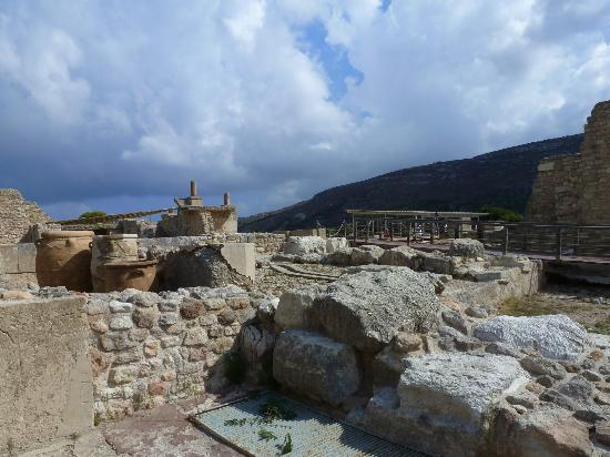 The Palace of Knossos: Ruins