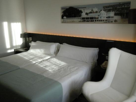 Tryp Cadiz La Caleta: Beds