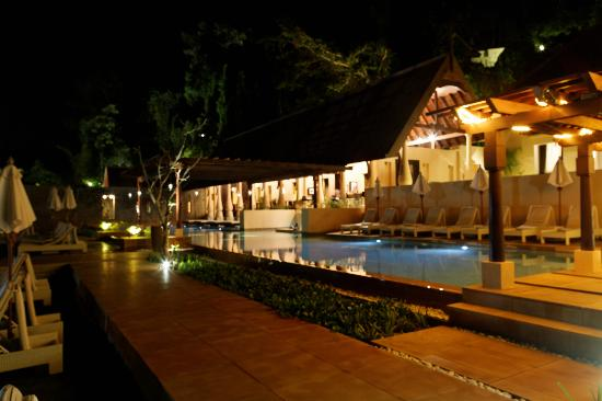 Gaya Island Resort: Pool and pool bar