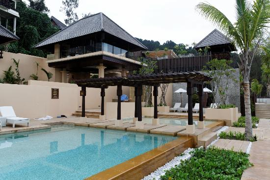 Gaya Island Resort: Library