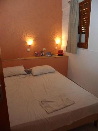 4 Seasons Hotel : Bedroom area