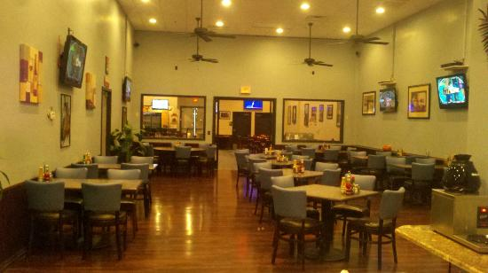 Mirage Sports Grill: Dining Room