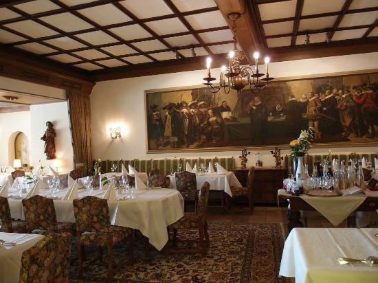 Hotel Eisenhut: 1階レストラン