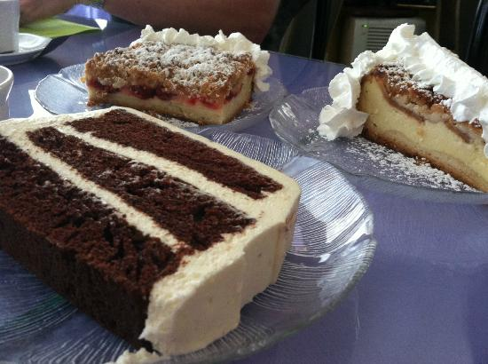 Maggie's European Bakery & Cafe: Amazing cakes, bars and pastries.
