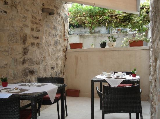 Hotel Vestibul Palace: Breakfast Terrace