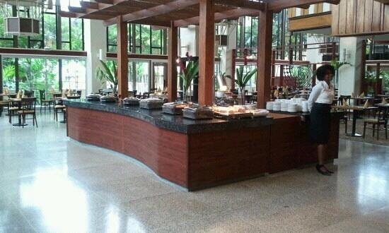 Hilton Trinidad & Conference Centre:                                     buffet