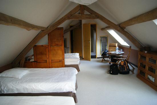 Le Presbytere : Loft family room