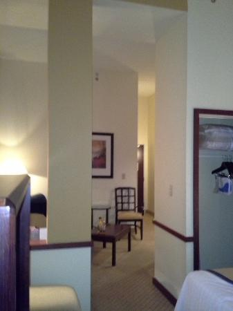 Fairfield Inn & Suites Austin Northwest/The Domain Area: Living area... Notice the high ceilings.