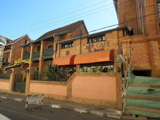 Rova Hotel: Restaurant next door