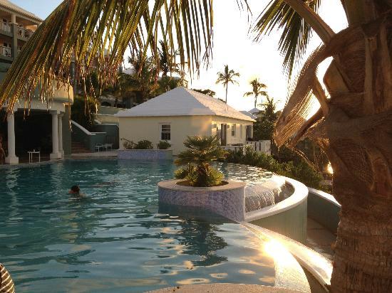 Newstead Belmont Hills Hotel: Beautiful infinity edge pool