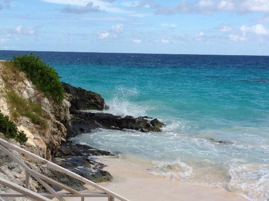 Newstead Belmont Hills Hotel: Coco Reef beach