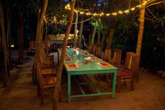 Freedomland Phu Quoc Resort: Dining table