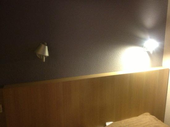 Hôtel balladins Chilly-Mazarin : ampoules grillées