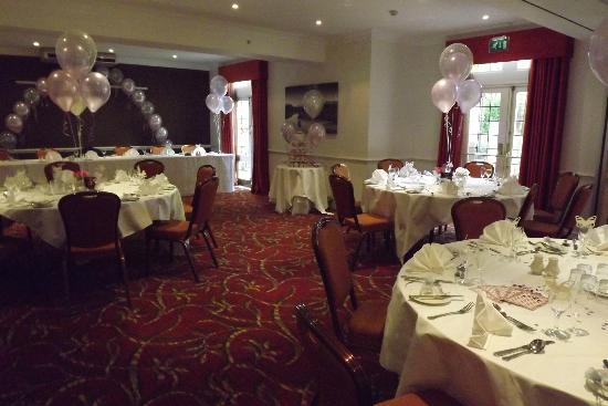 Holiday Inn Leeds Bradford: Wharfedale Suite for small wedding reception