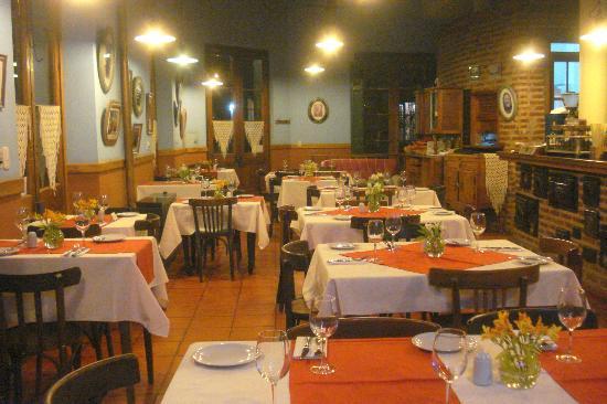 Restaurante del Puerto: salon principal