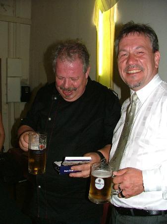 Strehla, Jerman: Chef Senior mit einen netten Gast