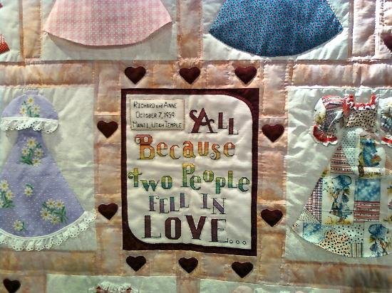 Frontier Homestead State Park Museum : Closetup of family history quilt