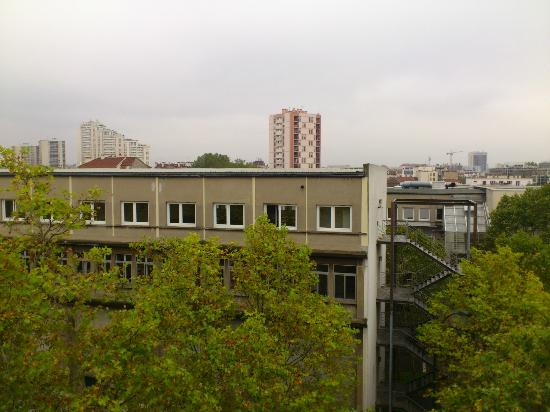 B&B Hotel Paris Malakoff Parc des Expositions : View from room nr. 616