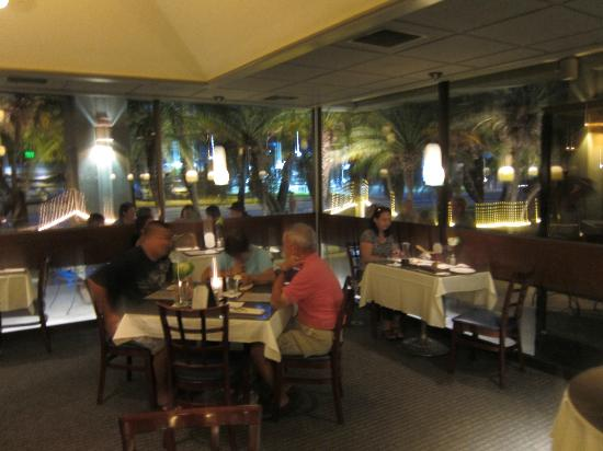 Bistro Casanova: Romantic atmosphere, tables inside and outside