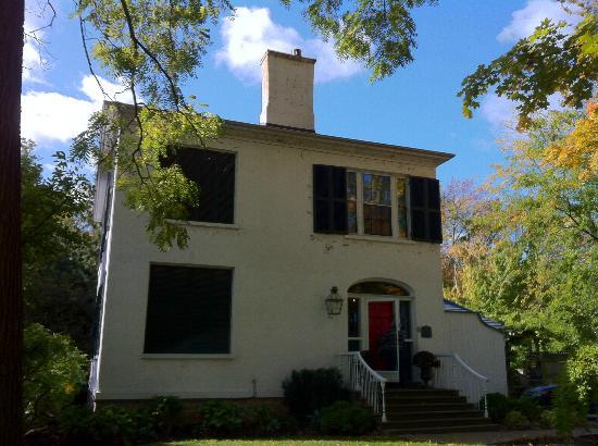 Historic Lyons House