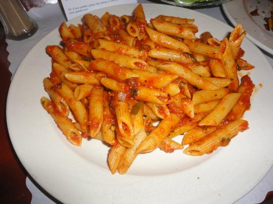 Holiday Inn Hotel & Suites Bakersfield: Penne Pasta - minus the chicken that was supposed to be there