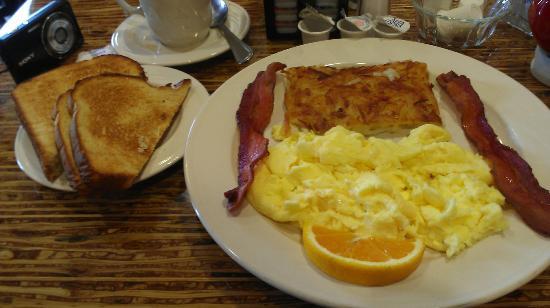 Holiday Inn Hotel & Suites Bakersfield: Breakfast from restaurant
