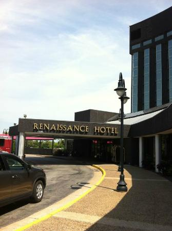 Renaissance St. Louis Airport Hotel: From outside