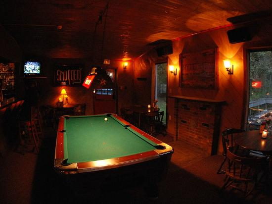 The Hyde Away Restaurant: Pool Room in the Tavern