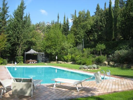 Casa Vacanze Podere Mezzastrada: zwembad