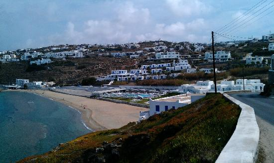 Mykonos Bay Hotel: Looking to Hotel from the coast road .