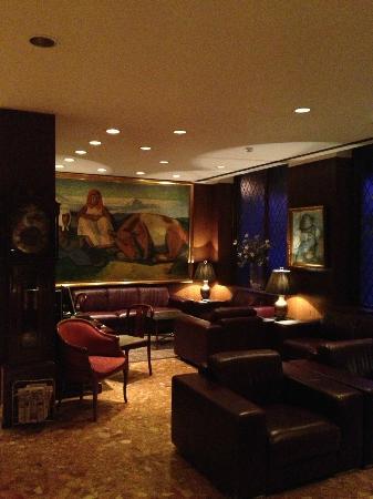Hotel Holt: Lobby alcove