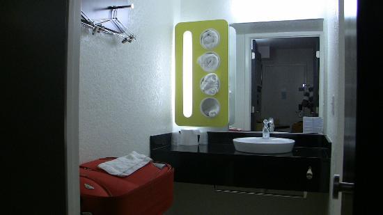 موتل 6 جاكسون دبليو واي: la salle de bain 