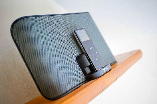 Little Leaf Guest House : iPod/MP3 docks in all rooms