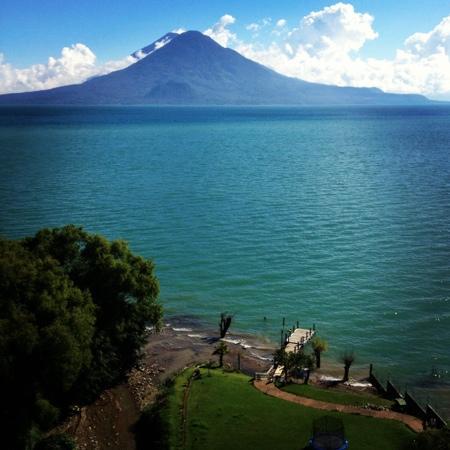 Hotel La Riviera de Atitlan: vista